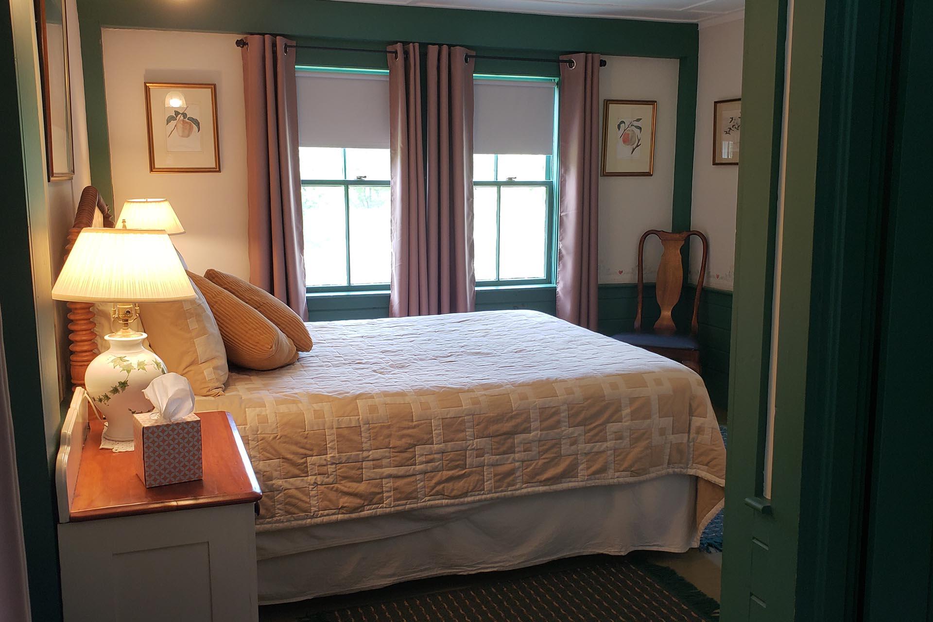 Rustic Inn pink room