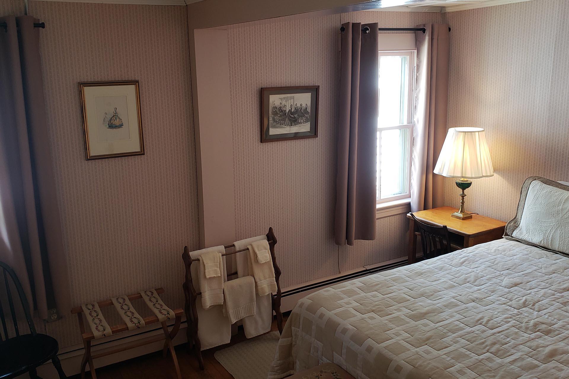Hawks Inn Bedroom 4